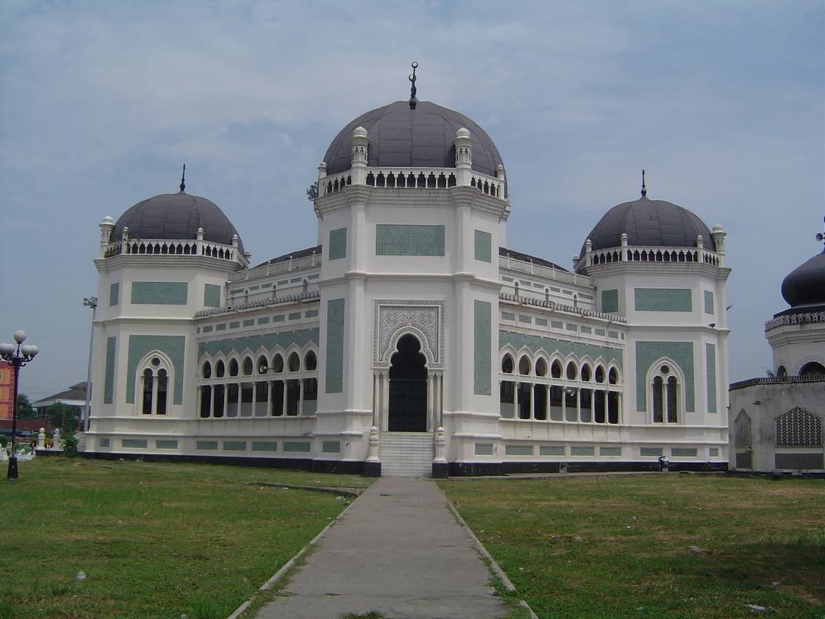 Tourist Attraction | Great Mosque in Medan